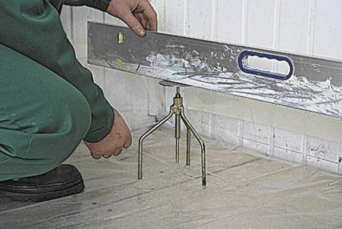 Pisos de piso independientemente: Cómo preparar el piso y cómo llenarlo