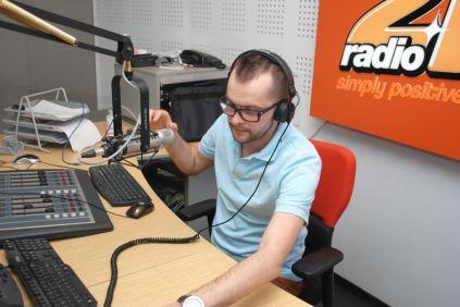 piticu21 la radio21 simply positive-0011