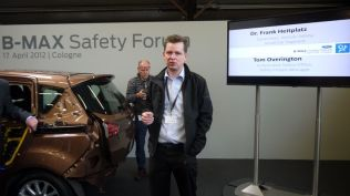 crash test ford b-max koln (158)