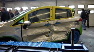 crash test ford b-max koln (552)