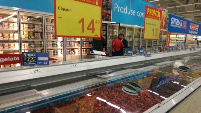 Carne stricata la Auchan Vitan