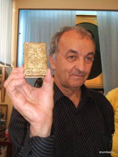 Cele mai mici cărți din România 7