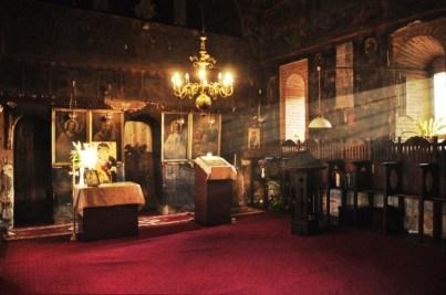 Manastirea Strehaia interior 3