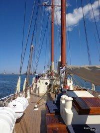 Înainte să fie ridicate velele