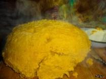 Mămăligă cu brânză proaspătă