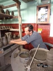 Tânărul Magopăț la roata olarului