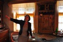 Caroline, explicând în camera cu rândunicile