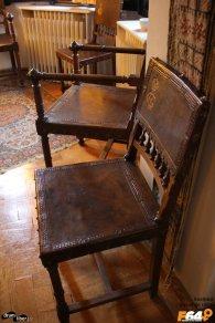 Scaun cu coroana și monograma Grigore Cantacuzino