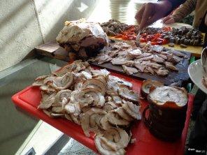 Degustare cu produse tradiționale de la Dinescu