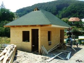 Casa paznicilor era în construcție