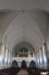 Corul și orga - Interiorul bisericii romano catolice din Pecica