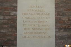Tabulă votivă romană (reproducere)