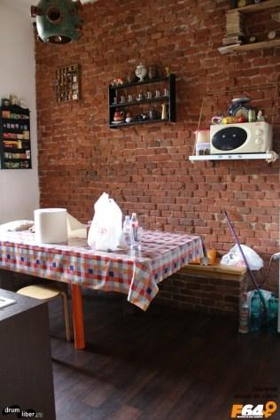Bucătăria la Hostel Costel din Timișoara