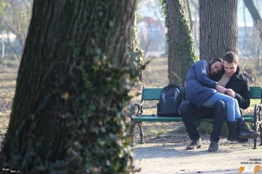 Îndrăgostiți în parcul Carol