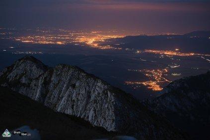Brașovul văzut noaptea din Crai