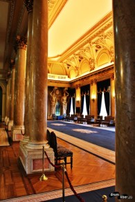 Sala de marmură a Palatului Cercului Militar Național