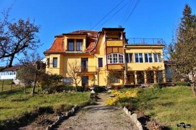 Vedere din Casa Elim din Cisnădioara. Aici s-a ținut cursul despre sași.