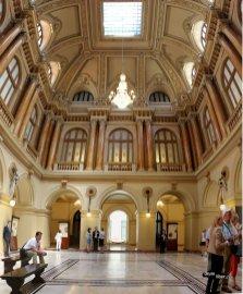 Panoramică în Palatul BNR