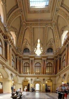 Panoramică în Palatul BNRPanoramică în Palatul BNR