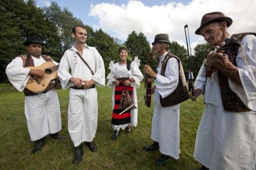 Când și dans popular din Maramureș
