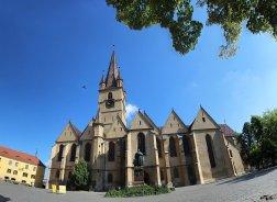 Transilvania: cetăți, biserici fortificate, orașe frumoase