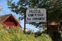 Muzeul Icoanelor pe Sticlă Preot Zosim Oancea
