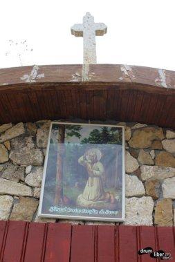 Intrarea în bisericuță