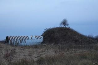 Alt tumul conservat, dar neiluminat
