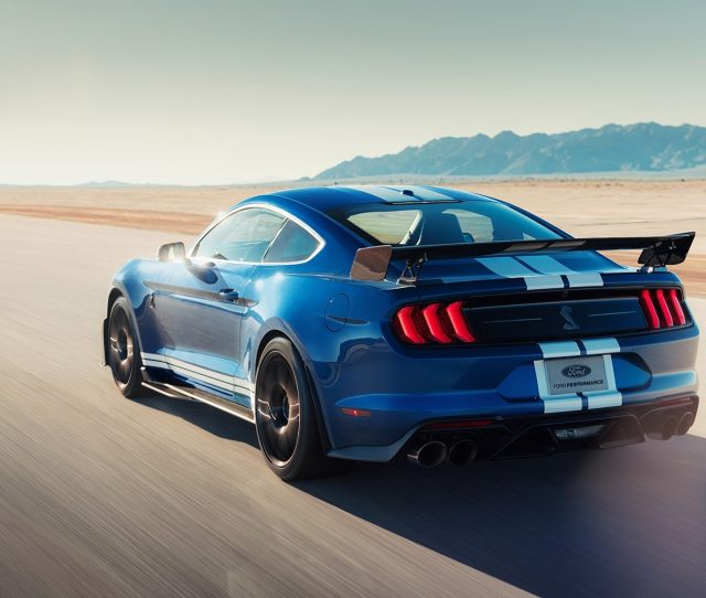 The Supercharged V8 Is No Surprise But The Transmission Behind It Is Rather Than The Gt350s Six Speed Manual The Gt500 Has Its Own Gearbox