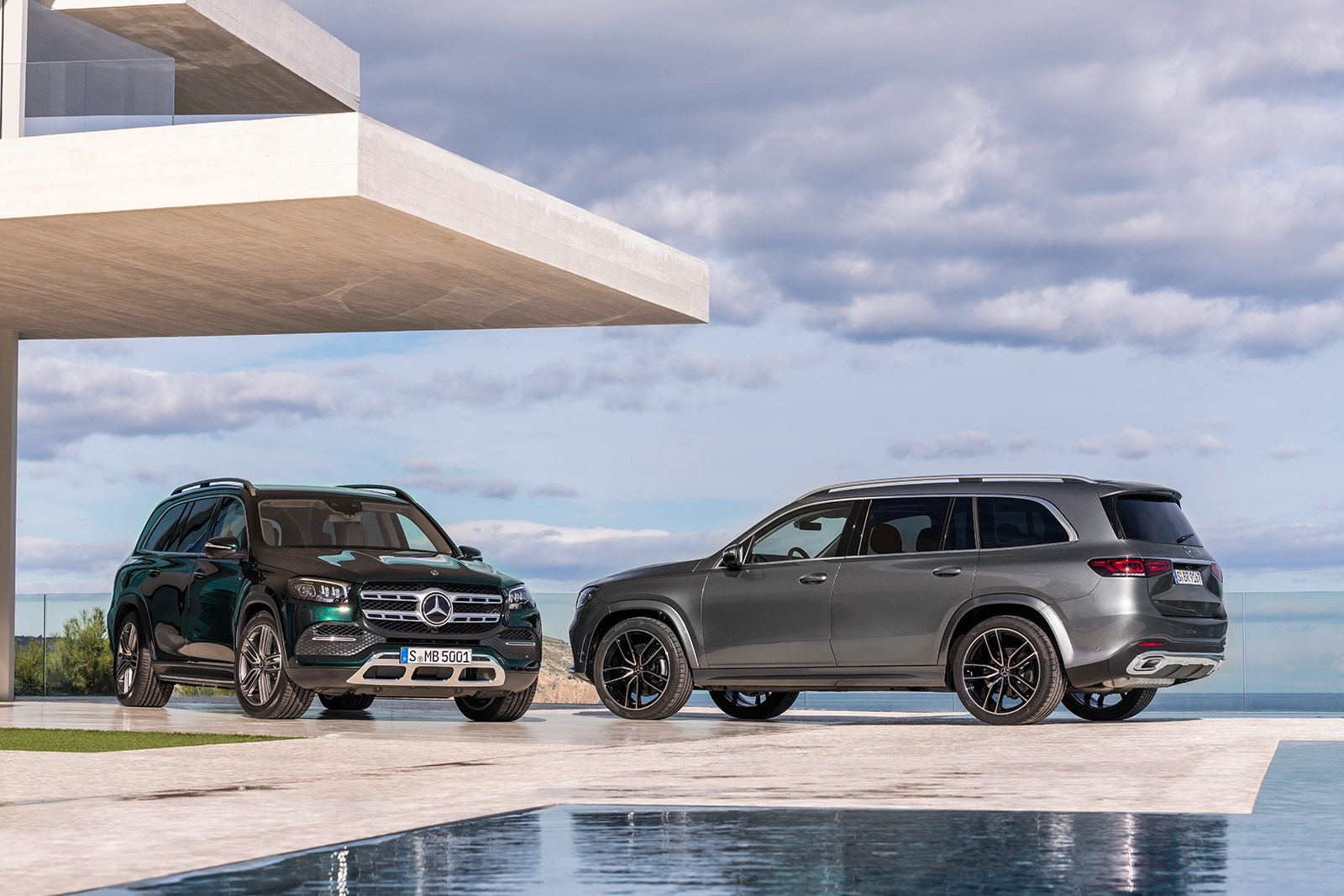 Suv With Captain Chairs 2020 Mercedes Benz Gls More Luxurious Easier To Wash Edmunds
