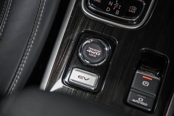 2019 Toyota Rav4 Hybrid Vs 2018 Mitsubishi Outlander PHEV