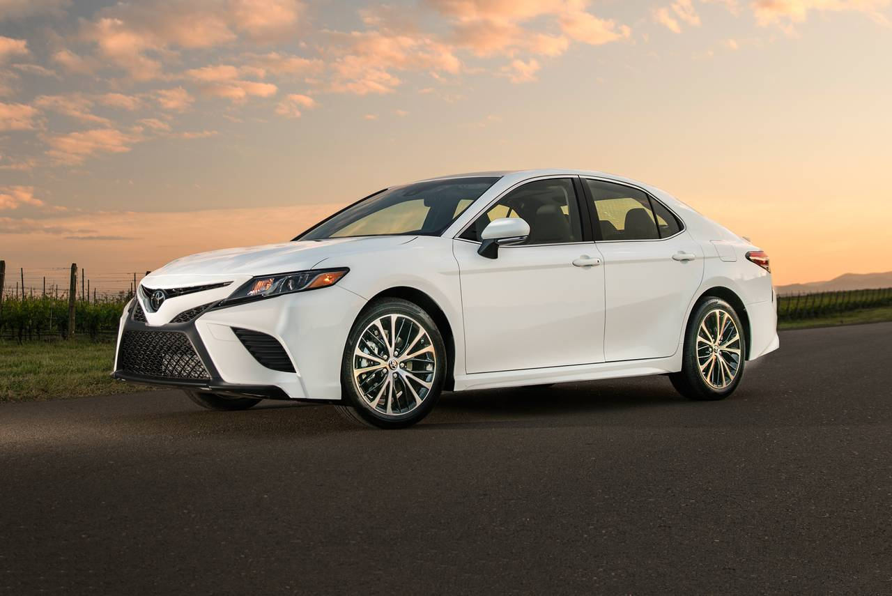 all new camry white grand veloz 1.5 2015 2018 toyota sedan pricing for sale edmunds