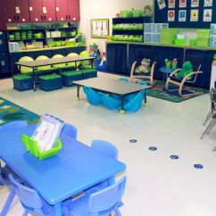 Classroom Organizer Chair Covers Bedroom Melbourne Flexible Classrooms Assembly Required Edutopia In Addition To Having Bins And Drawers Along The Walls Kindergarten Teacher Benita Kay Moyers