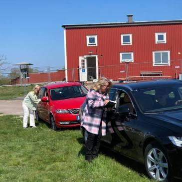 Munter drive-in-signering på Öland Spirar!