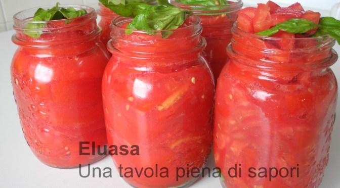 Conserva di pomodoro: passata, pezzettoni o pelati