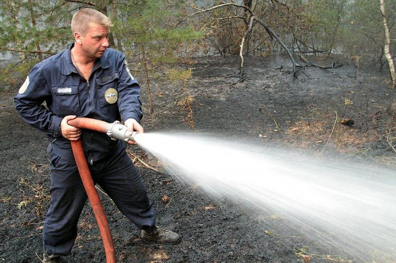 Extinguishing Wildfires 64