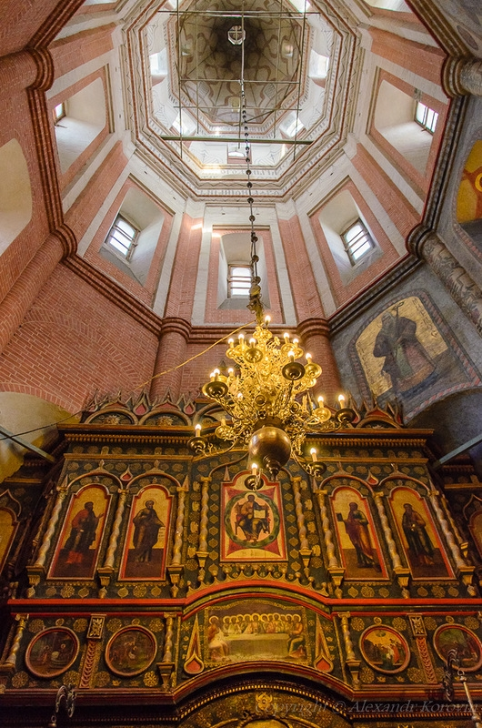St Basils Cathedral from Inside  English Russia