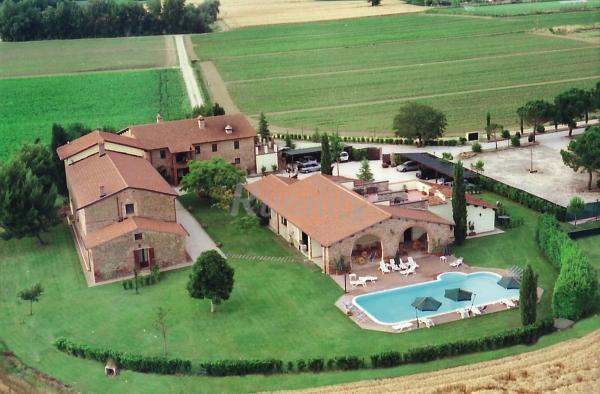 Le Case Coloniche  Casa rural en Deruta Perugia