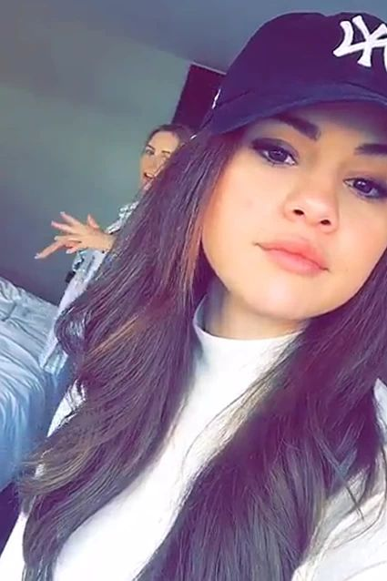 Selena On Instagram New Selfie How To Know Who Is Following You On Instagram Последние твиты от hoochie mama (@hoochiemama_me). selena on instagram new selfie how to