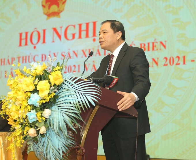 Minister Nguyen Xuan Cuong speaking about the general situation and upcoming plans of the industry.