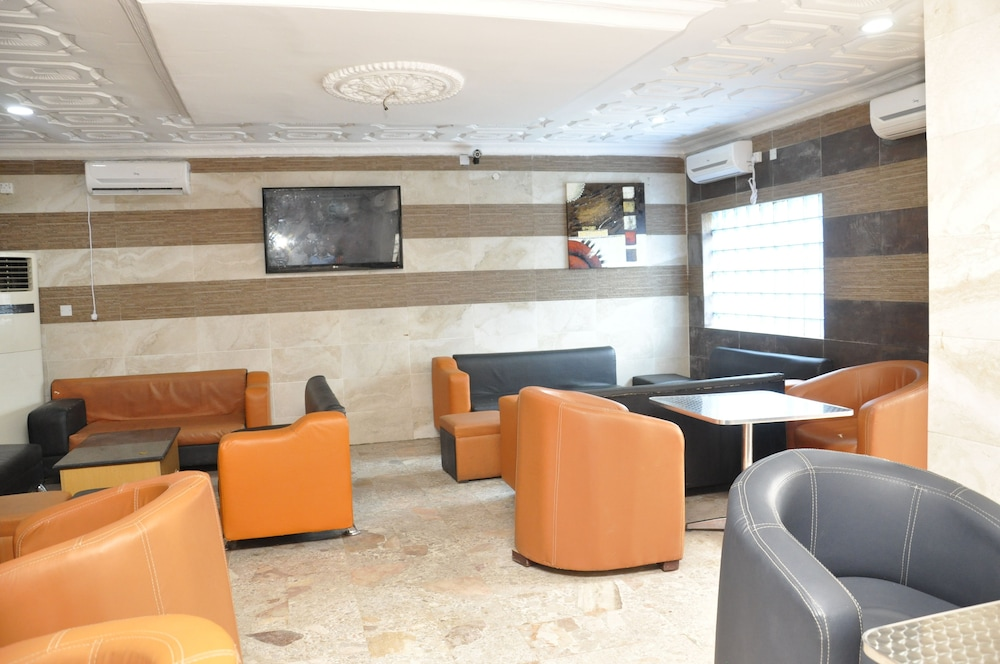 Inglesias Suites Lagos 3 1 Price Address Reviews