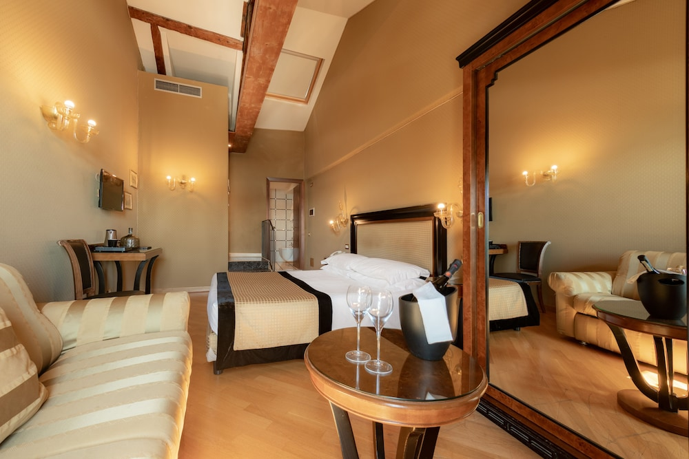 Charming Suite Hotel Paganelli Venice Hotel Price Address