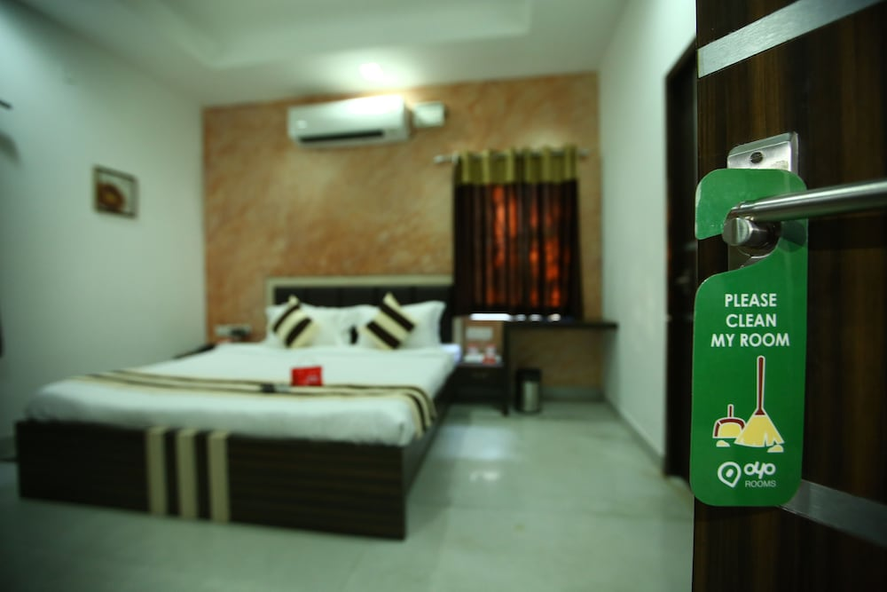 Oyo 2282 Apartment Velachery Chennai Guest House Price