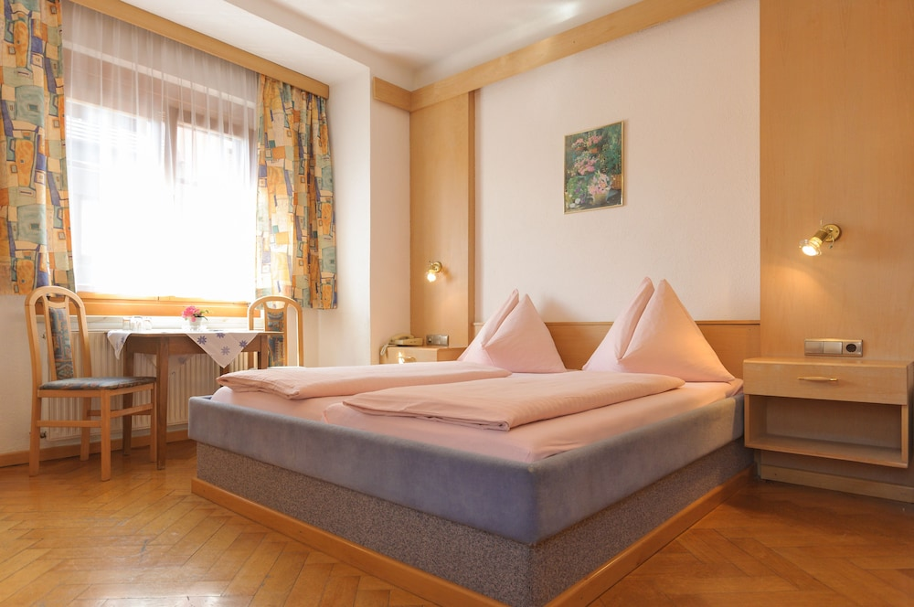 Hotel Tautermann Innsbruck 6 4 Price Address Reviews