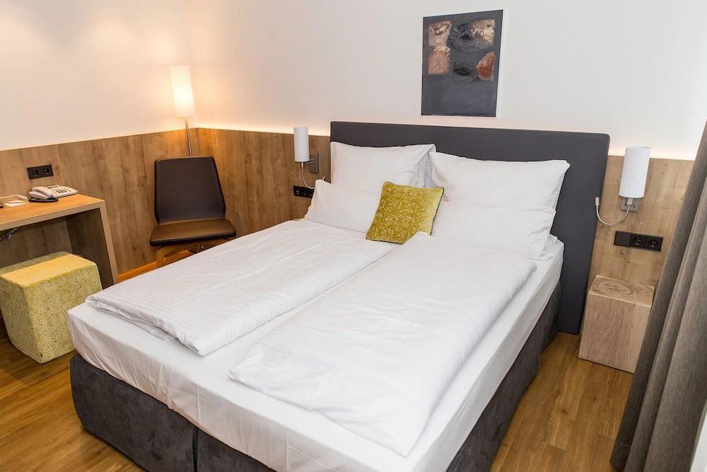 Hotel Goldenes Rad Ulm 1 4 7 Price Address Reviews