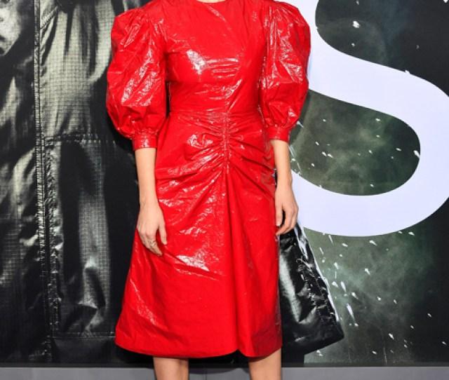 Sarah Paulson Rocks Mismatched Shoe Trend At Glass Premiere