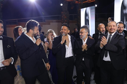 محمد حماقي يتألق بحفل زفاف ابن مصطفى قمر