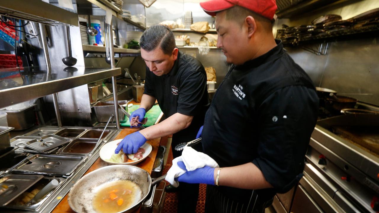 NYC restaurant workers crushed in coronavirus pandemic | Fox Business