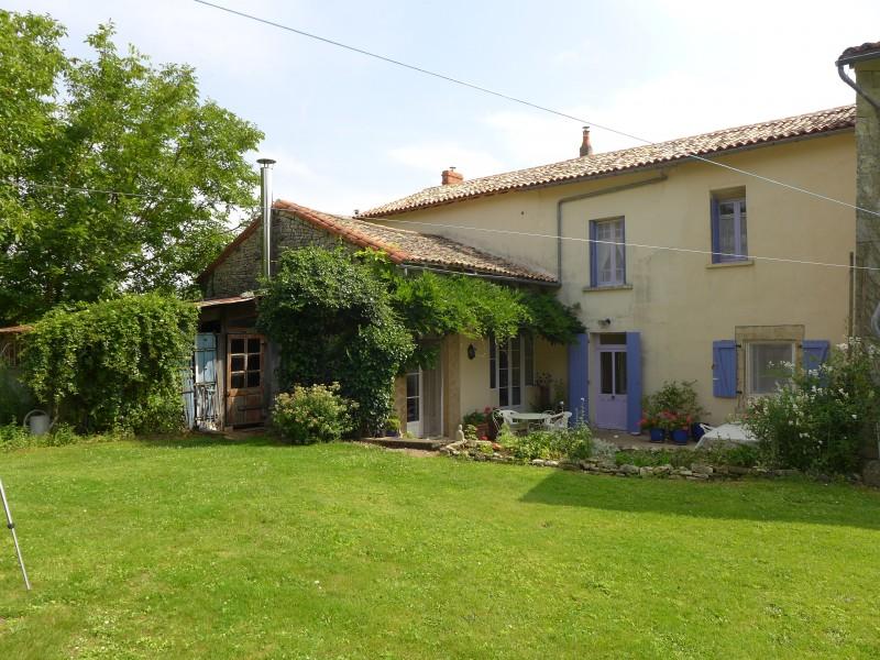 Maison  vendre en Poitou Charentes  Charente RUFFEC Jolie maison spacieuse avec 4 chambres