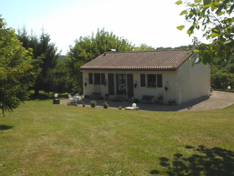 Maison  vendre en Poitou Charentes  Charente VILLEBOIS LAVALETTE Maison de campagne 26km d